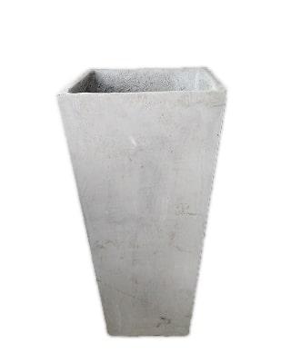 matera cuadrada de cemento N04